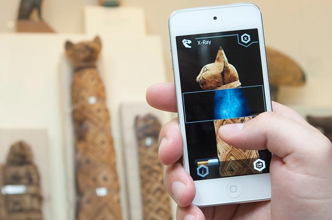 Cat mummy through the ScopifyROM app. Photo: Brian Boyle. © Royal Ontario Museum.
